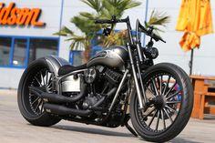 Customized Harley-Davidson Softail Slim (FLS) by Thunderbike Customs Germany