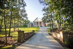 Beautifully installed southern classic estate