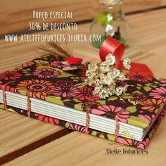Presente criativo, artesanal e com preço especial, 30% de desconto na loja www.ateliefofurices.iluria.com⠀ ⠀ #ateliefofurices #book #livro #caderno #artesanal #feitoamao #handmade #bookbinding #costura #flores #flowers #flor #natal #presente #gift #especial #presentecriativo