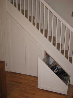 Understair Storage 13 - New Ideas Understairs Toilet, Understairs Ideas, Stairway Storage, Rustic Closet, Under Stairs Cupboard, Toilet Under Stairs, Built In Furniture, Basement Stairs, Corner Storage