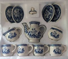Vintage China Childs Tea Set Blue Willow pattern by RumbleSeatCat