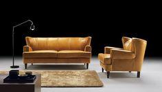 #Sofa #Gatsby Zdecydowana i bardzo elegancka forma, zarazem masywna i ustawiona na prostych, drewnianych nogach, przywodzi na myśl gabinet dystyngowanej i dobrze uposażonej osoby #ArisConcept Gatsby, Sofa Furniture, Sofas, Love Seat, Couch, Cat 2, Home Decor, Couch Furniture, Homemade Home Decor