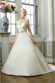 Simple elegant sweetheart chapel train satin Wedding Dresses