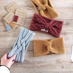 Headbands, headbands, headbands … I am now knitting again day and …, between … – The Best Ideas Knit Headband Pattern, Knitted Headband, Knitted Hats, Knitting Blogs, Knitting Stitches, Baby Knitting, Diy Laine, Knit Crochet, Crochet Hats