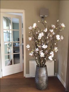 Custom made magnolia tree. By Custom made magnolia tree. By - Tall Vase Decor, Floor Vase Decor, Home Decor Vases, Tall Centerpiece, Centerpiece Wedding, Large Floor Vase, Tall Floor Vases, Tall Vases, Branch Decor