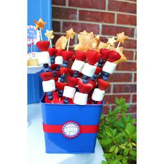 Patriotic fruit kabobs from @Giggles_Galore #4thofjuly #memorialday #redwhiteandblue