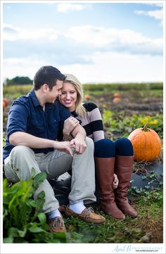 Fall engagement session in a pumpkin patch. www.aprilbphotography.com