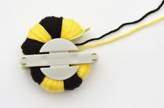 how to make a pom pom bee by Michelle McInerney of MollyMooCrafts