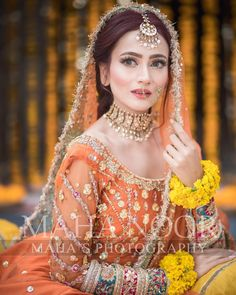 Best Picture For Bridal Outfit honeymoons For Your Taste You are looking for something, and it is going to tell you exactly what you are looking for, and you didn't find that picture. Pakistani Mehndi Dress, Pakistani Bridal Makeup, Bridal Mehndi Dresses, Pakistani Wedding Outfits, Bridal Dress Design, Wedding Dresses For Girls, Bridal Outfits, Pakistani Dresses, Indian Outfits