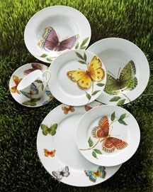 dinnerware...sweet and pretty for a fresh table...