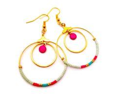 Boucles d'oreilles Créoles pendantes doré perles miyuki sequin émail bleu-vert rose : Boucles d'oreille par bykloe