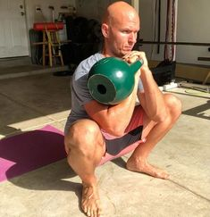 4 Single-Kettlebell Circuits You Can Do At Home - BarBend 4 Single-Kettlebell Circuits You Can Do At Home – BarBend<br> In this article we have designed four kettlebell circuits you can do at home, with one kettlebell and your bodyweight. Kettlebell Training, Kettlebell Workout Routines, Kettlebell Challenge, Kettlebell Circuit, Gym Workouts, At Home Workouts, Boxing Workout, Hiit, Weight Training Programs