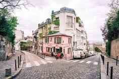 La Maison Rose - 2 Rue de l'Abreuvoir, Paris 75018