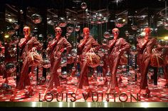 Yayoi Kusama chez Louis Vuitton au Printemps - Paris, septebre 2012