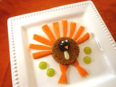 Easy, Kid-Friendly Thanksgiving Recipes – Parenting – Kids friendly dinners for picky eaters Thanksgiving Lunch, Gluten Free Thanksgiving, Thanksgiving Recipes, Holiday Recipes, Canadian Thanksgiving, Thanksgiving Preschool, Thanksgiving Appetizers, Kid Friendly Dinner, Kid Friendly Meals