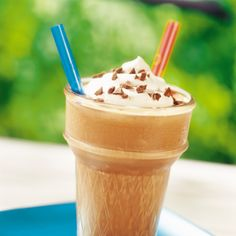Frozen Hot Chocolate - Put a frosty twist on a warm winter favorite with this velvety blend of three different types of chocolate. A delicious treat, this refreshing beverage will help beat the summer heat! Frozen Hot Chocolate, Chocolate Milkshake, Hot Chocolate Recipes, Best Chocolate, Chocolate Flavors, Chocolate Morsels, Yummy Drinks, Delicious Desserts, Dessert Recipes