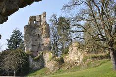 En 1223, Pierre 1er de Bretagne, dit Pierre Mauclerc entreprend la construction du château de Saint Aubin du Cormier en Bretagne.