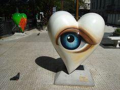 """Out of sight, out of mind"": fuera de la vista, fuera de la mente.."