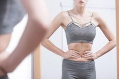 Each year brings new fitness trends, and some of those trends are healthy—there's nothing wrong with Pilates, for instance, and we're not going to mock anyone for picking up a few yoga classes. However, some fitness trends are downright dangerous. You Fitness, Fitness Goals, Wellness Fitness, Tiny Waist Workout, Cool Sculpting, Square Body, Workout Regimen, Workout Routines, Slim Waist