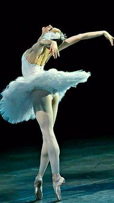 Odette- Photo Gene Schiavone - Elektra Z. Let ́s Dance, Shall We Dance, Just Dance, Ballet Art, Ballet Dancers, Ballet Painting, Ballet Images, Dance Poses, Chef D Oeuvre