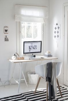 66 Inspiring Small Home Work Space Design Ideas Home Office Space, Home Office Design, Office Decor, Office Spaces, Desk Inspiration, Simple House Design, Minimalist Room, Workspace Design, Home Furniture