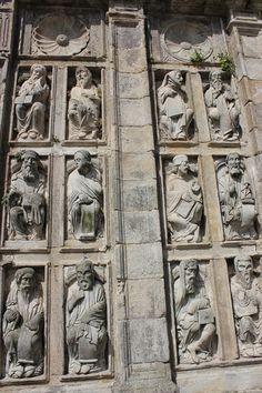 Santiago de Compostela. , la maravillosa Puerta Santa, que sólo se abre los años jubilares( cuando el 25 de junio cae en domingo) el día 31 de diciembre del año anterior. Galicia Spain