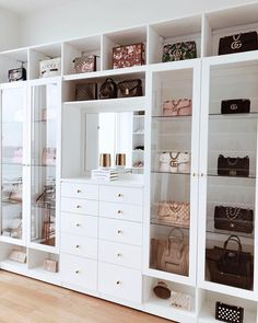 Custom Closets Greater New York This jaw-dropping bag closet was created for beauty influencer, Amra Olevic. The storage designed by California Closets New York designer , Allegra Pennisi entails a perfect boutique display and offers a ready-to-use option Walk In Closet Design, Bedroom Closet Design, Closet Designs, Bedroom Wall, Diy Bedroom, Closet Walk-in, Closet Ideas, Dressing Room Closet, Closet Storage
