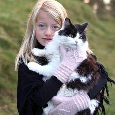 Hjertevotten barn – KongleDesign Barn, Knitting, Animals, Collection, Converted Barn, Animales, Tricot, Animaux, Breien