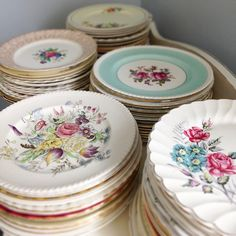I want to get a bunch of china from vv or sally anne and have each pearson write something on the bottom. Vintage Plates, Vintage Dishes, Vintage China, Vintage Kitchen, Vintage Tableware, Vintage Dinnerware, Teapots And Cups, Teacups, China Plates