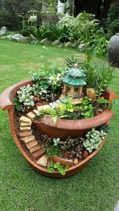 icu ~ Pin on Unique garden decor ~ 30 Amazing DIY ideas for decorating your garden uniquely Look how nice it is. We brought amazing DIY ideas to decorate the garden. They are wonderful ideas that can transform the garden decoration … Fairy Garden Plants, Diy Garden, Garden Care, Succulents Garden, Indoor Garden, Garden Projects, Garden Pots, Gnome Garden, Succulent Terrarium