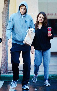Ashton Kutcher and Mila Kunis dressed down for a trip to Manhattan Bagel in Studio City, Calif., Jan. 6.