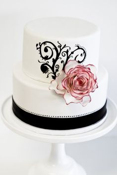 2 tier black and white with pink flower