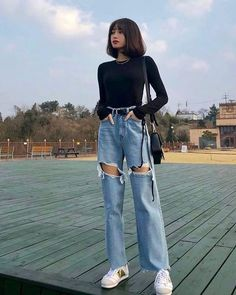 Kpop Fashion Outfits, Edgy Outfits, Retro Outfits, Mode Outfits, Cute Casual Outfits, Casual Korean Outfits, Korean Outfits School, Fashion Clothes, Korean Outfits Kpop