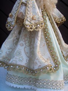 Jesus Clothes, Xmas, Slippers, Victorian, Crochet, Gold, Dresses, Fashion, Children Outfits