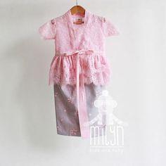 Model Dress Kebaya, Model Dress Batik, Batik Dress, Baby Girl Romper, Little Girl Dresses, Girls Dresses, Flower Girl Dresses, Baby Girl Fashion, Kids Fashion