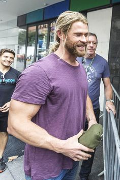 "mcavoys: ""  Chris Hemsworth is seen taking a break from filming to mingle with fans on the set of the film 'Thor: Ragnarok' on August 23, 2016 in Brisbane, Australia. """