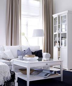 Wohnzimmer im Skandinavischen Stil: Skandinavisches Wohnzimmer in frischen Farben - Wohnen & Garten
