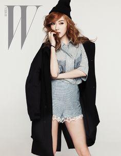jueves, 21 de marzo de 2013 with jessica jung magazine