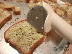 Quick and Easy Garlic and Herb Crouton Recipe