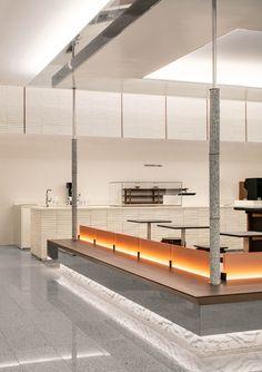 #카페 #모던 #화이트 Italian Interior Design, Restaurant Interior Design, Shop Interior Design, Cafe Design, Restaurant Interiors, Design Design, Modern Cafe, Modern Restaurant, Restaurant Bar
