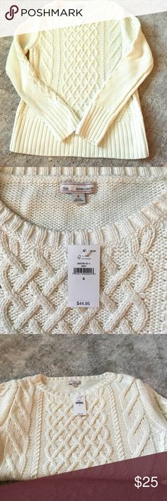 GAP cable knit sweater Brand new never been worn GAP cable knit sweater. Absolutely perfect condition. Size small, perfect for the fall and winter GAP Sweaters
