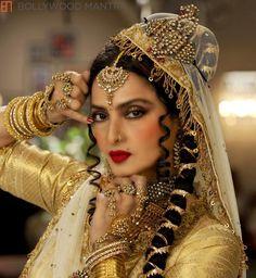 Rekha Actress, Bollywood Actress, Indian Film Actress, Indian Actresses, Saris, Rekha Saree, Aishwarya Rai, Indian Bridal Fashion, Vintage Bollywood
