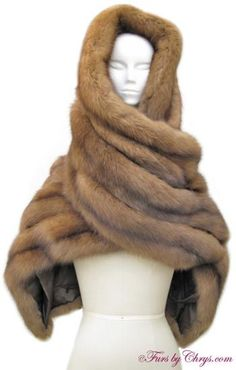 Magnin Long Russian Sable Stole Like New Condition; size range: One Size Fits Most. When you desire luxury at its finest, look no further than this Russian sable stole! Moda Vintage, Vintage Fur, Winter Chic, Winter Wear, Fur Jacket, Fur Coat, Turban Outfit, Fabulous Furs, Hooded Scarf