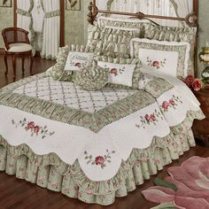 Cordial Garden 4 pc Floral Quilt Set