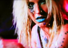 Ke$sha. My Crazy Beautiful Life. MTV, 2013