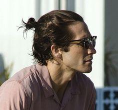 Jake Gyllenhaal Is A Man With A Bun