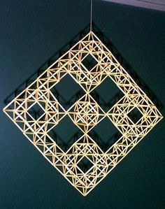 Cardboard Crafts, Paper Crafts, Straw Sculpture, Straw Decorations, Corn Dolly, Straw Art, Straw Crafts, Willow Weaving, Weaving Designs