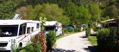 Camping 4* confortable, emplacements ombragés pour tentes et camping car, belle vue