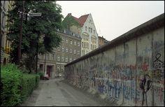 The Wall along the Leuschnerdamm in Kreuzberg 1989