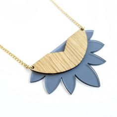 Sunrise Necklace is one of the unique necklaces  that you can find in the Wild Wood collection by Ruby.    Sunrise measures about 2.5 wide (6.5cm)  Cut